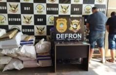 Traficantes são presos com bebidas que compraram para comemorar venda de drogas