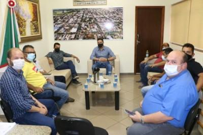 Deputado Marçal esteve reunido com o prefeito André Nezzi e vereadores, de Caarapó