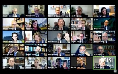 Mosaico dos ministros na sessão do Tribunal Pleno (Foto: Divulgação/TST)