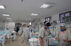 Das pessoas hospitalizadas com Covid-19 em Dourados, 110 são atendidas em enfermarias e 80 nas UTI's (Foto: Marcos Silva/Divulgação)