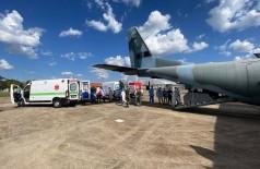 Avião da Força Aérea Brasileira partiu com pacientes douradenses de Campo Grande até Porto Velho, em Rondônia (Foto: Divulgação/Prefeitura)