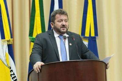 Presidente da Câmara de Dourados, vereador Laudir Munaretto disse que filhos tocam buffet que locou materiais para evento (Foto: Divulgação)