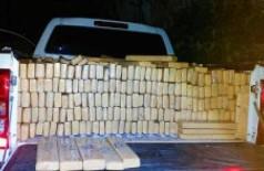 PMR apreende caminhonete com mais de duas toneladas de maconha na fronteira