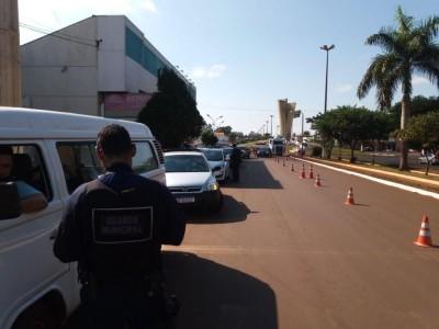 Fiscalização da Guarda Municipal no trânsito de Dourados )Foto: Divulgação/Guarda)