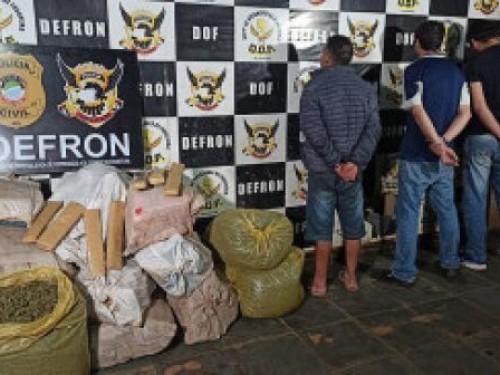 Mais de 350 quilos de drogas são apreendidos em oficina desativada na fronteira