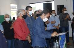 Marçal assina autorização de obras em Douradina