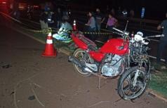 Motociclista morreu antes da chegada do socorro - Fotos: Sidnei Bronka