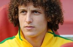 Pais de David Luiz minimizam lesão do filho: