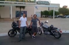 Edson e o irmão, Ivan, durante uma viagem a Brasília.