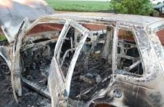 Veículo foi encontrado incendiado em estrada vicinal (Itaporã News)