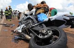 Motociclista de 25 anos morre ao ser atingido por carro na BR-262