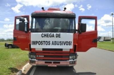Transportadoras pedem socorro ao governo para não parar atividades