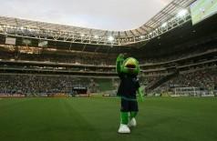 Mascote do Palmeiras se exibe no Allianz Parque, antes do jogo com o Capivariano (CESAR GRECO/AG PALMEIRAS/DIVULGAÇÃO)