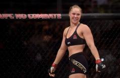 Ronda Rousey nocauteou Bethe Correia no primeiro round (Alexandre Loureiro / Inovafoto)