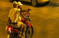 Após assalto, homem perde documentos e veículo