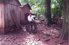 Agente da Secretaria Municipal de Saúde trabalha no combate ao mosquito que tem infestado Dourados (Divulgação)
