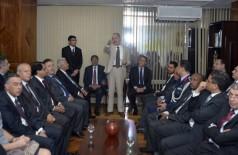 Ministro Aldo Rebelo e os embaixadores dos países árabes se reuniram no Ministério da Defesa na terça-feira, q... (Gilberto Alves / MD)