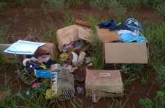 Lixo abandonado no bairro Guaicurus em Dourados preocupa moradores