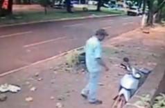 Moto é furtada no Centro de Dourados (vídeo)