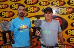 Anízio e Itamar vão participar da ultramaratona solidária no próximo sábado (17) no Parque das Nações I, em Do... (Foto: André Bento)